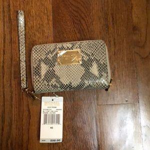 Michael Kors Angoria multi functional wallet